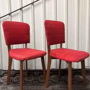 Stoeltjes met rode zitting | Vintage Brabant