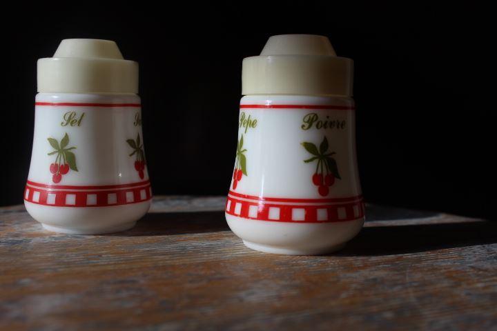Ensemble sel & poivre opaline blanc