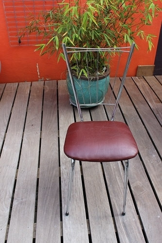 Chaises avec assise skaï et structure chrome Vintage