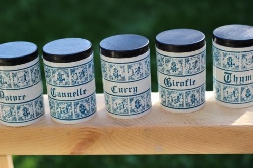 série pots à épices rétro