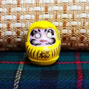 黃色幸運達摩