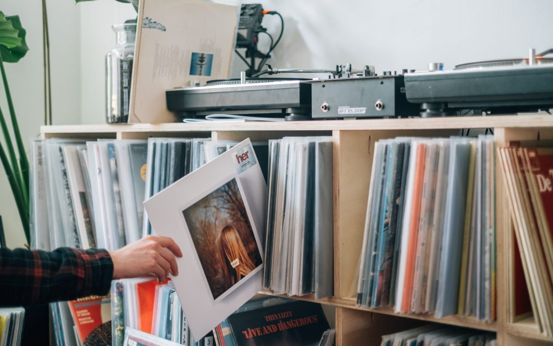 Tips for creating your home vinyl listening room