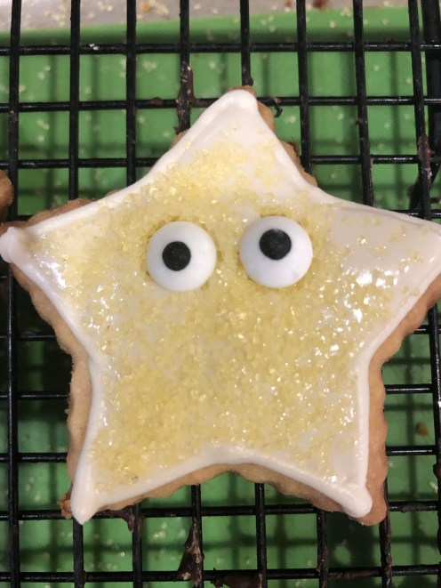 Once the cookie is filled, and while it is still wet, add decorations, then dry thoroughly.