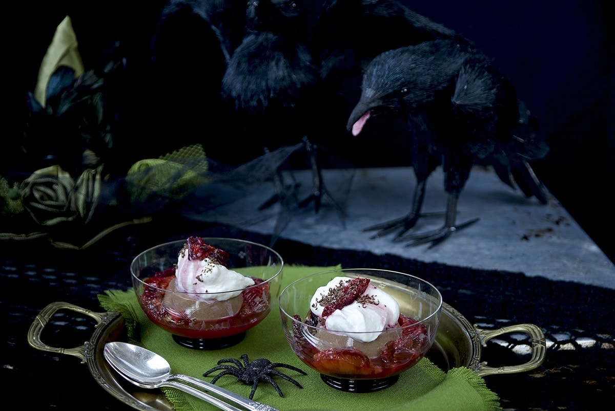 Chocolate Panna Cotta with Blood Oranges is a chilling Halloween dessert perfect for #Choctoberfest. | vintagekitty.com