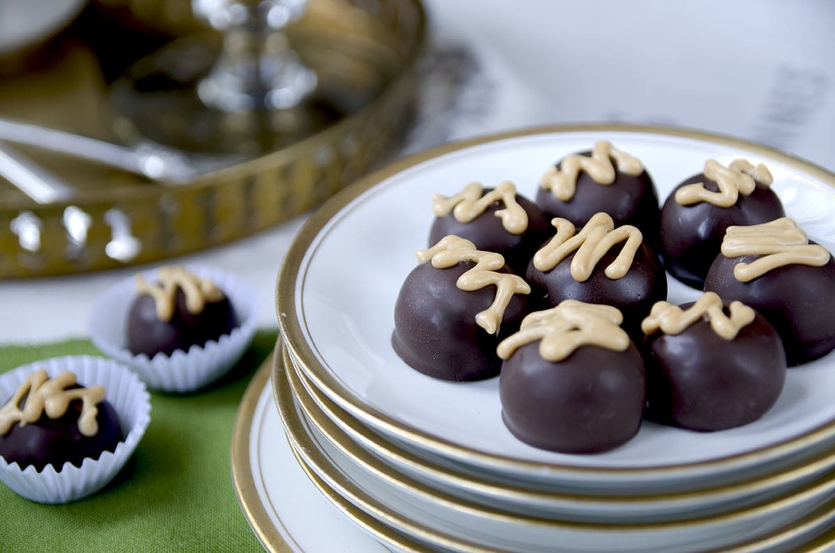 Peanut Butter Honey Dark Chocolate Truffles are a decadent way to ...