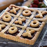Strawberry Jalapeno Tic Tac Toe Tart