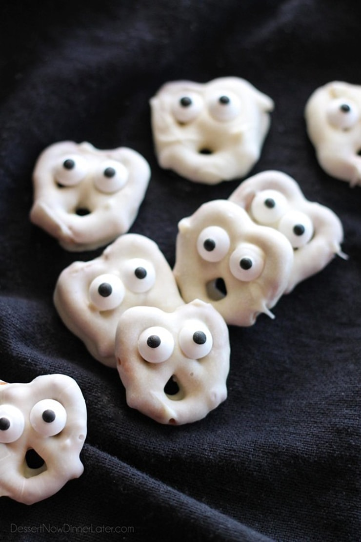 Ghost Pretzels- Ghoulishly Good! #Halloween Party Recipes and Ideas