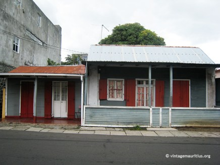 Mahebourg - Old Creole House - Red Floor Polish