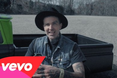 Yelawolf – Box Chevy V