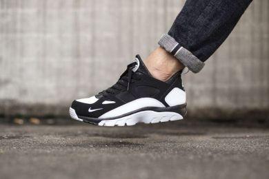 nike-huarache-trainer-low-black-white-1