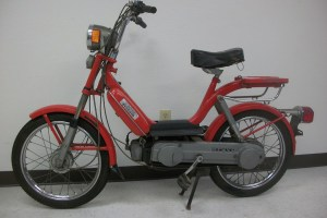 *To Be Reconditioned* Red Vespa Bravo ($79000) | Sunday