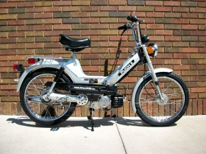 *Reconditioned* 1978 Silver Puch Maxiluxe (Sold) | Sunday