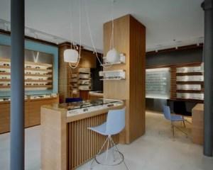 Reformas de tiendas con mostrador de madera