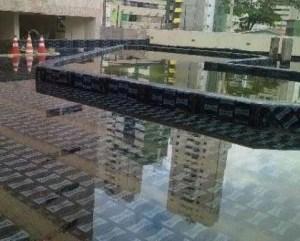 Prueba de agua para filtraciones en terraza