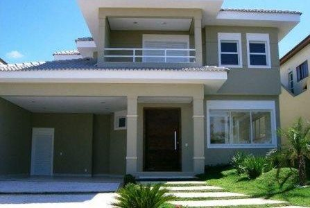Construção de moradia com garagem.