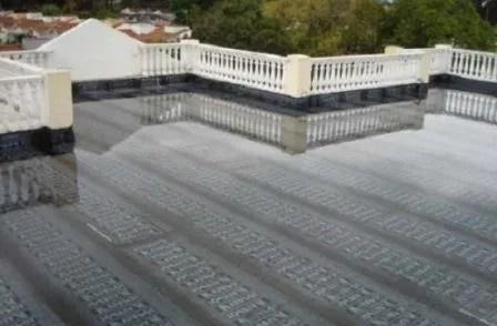 Infiltrações em terraços – Teste à impermeabilização através da colocação do terraço à carga.