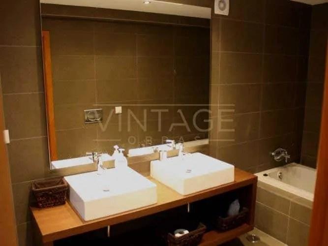 Remodela o de casas de banho no porto vintage obras for Casas modernas vintage