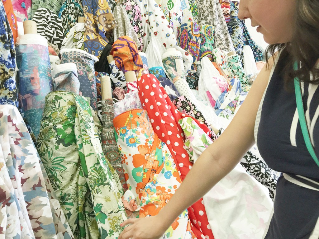 Shifting through fabric at the LA Garment District | @vintageontap