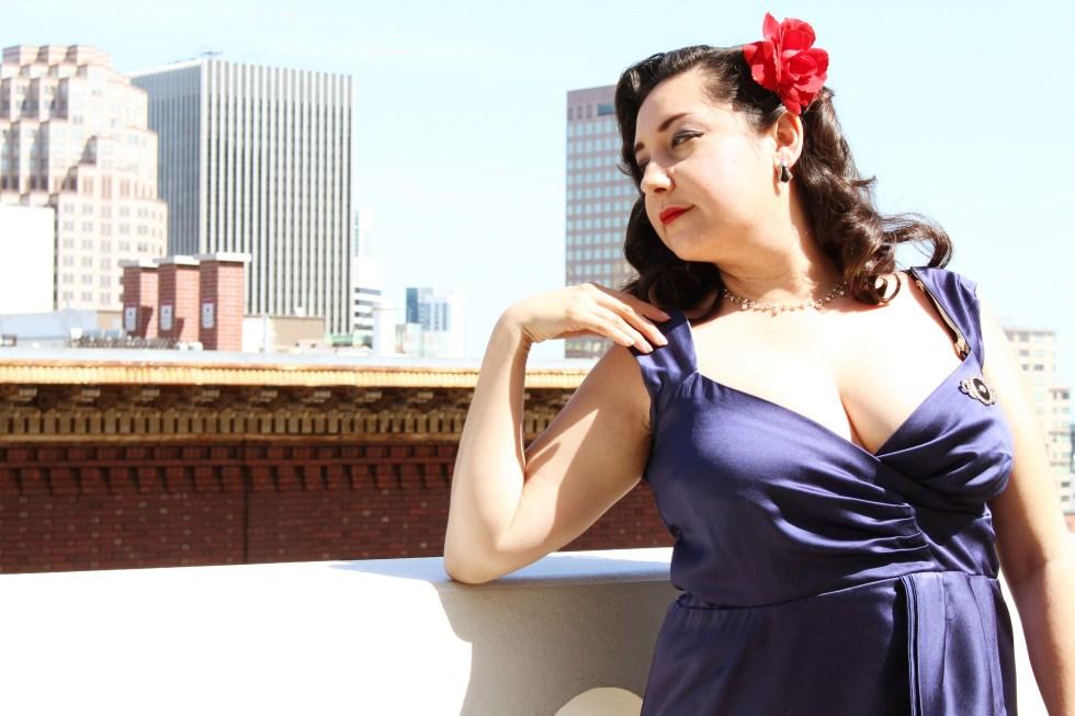 Butterick B5814, Cocktail Dress, dramatic posing! | @vintageontap