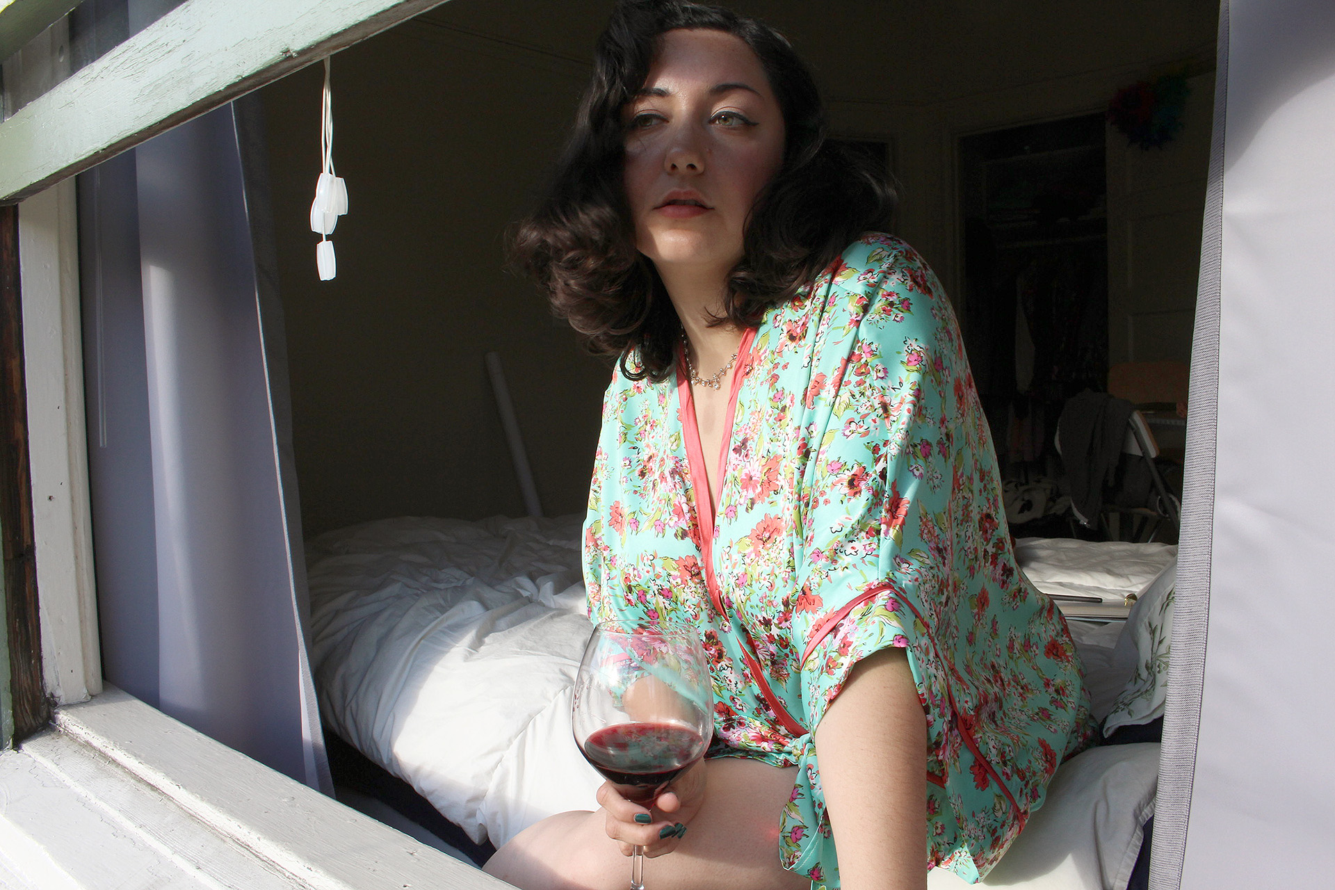 Wine afternoon in my Seamwork Almada Robe | @vintageontap