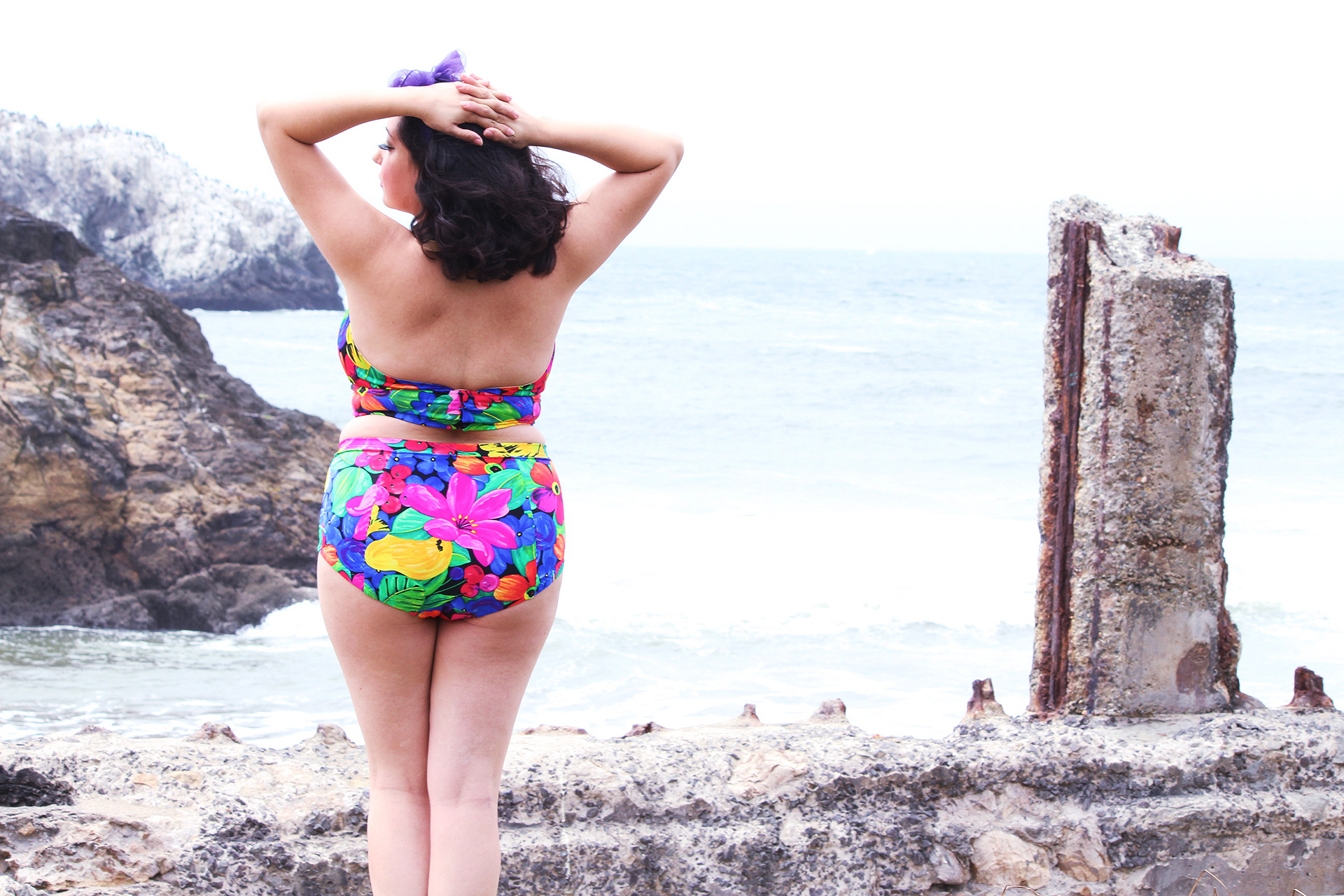 Looking around the Sutro Bath ruins in my pinup bathing suit, Sewing McCalls M7168 | @vintageontap