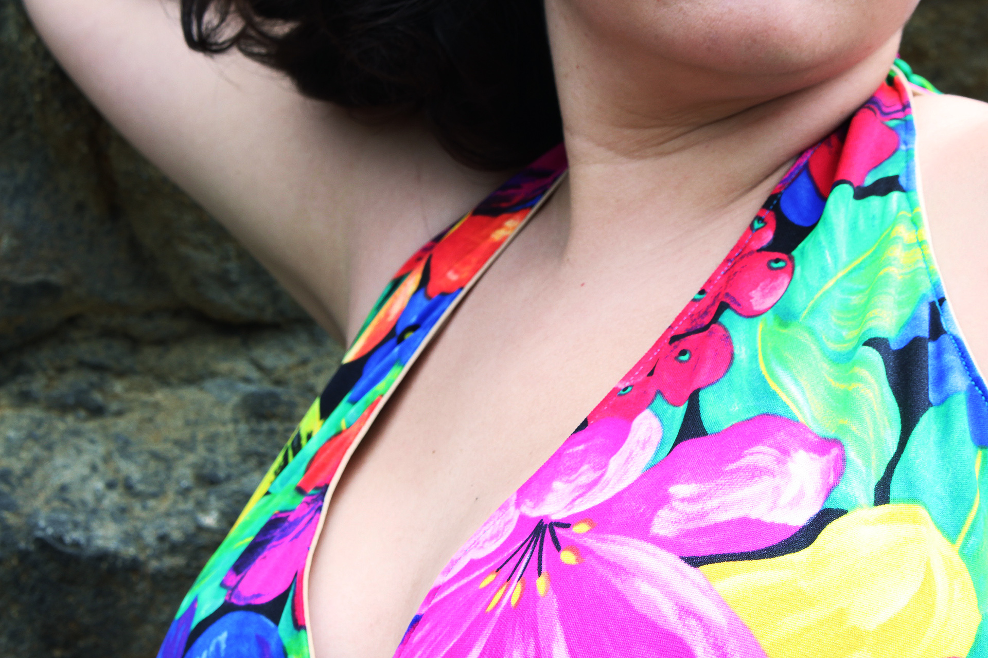 Halter top detail, Pinup bathing suit, McCalls M7168 | @vintageontap