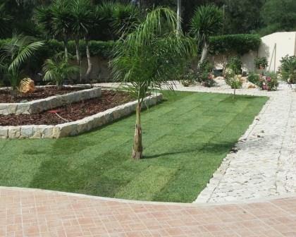 Remodelações de exteriores: execução de jardins e arruamentos.