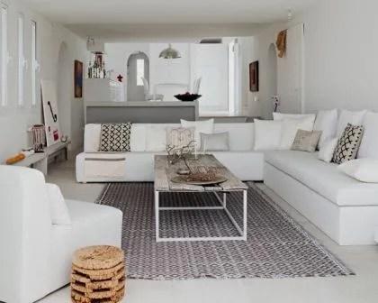 Remodelações de interiores com kitchenette com balcão.