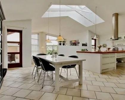Remodelações de interiores com clarabóia.