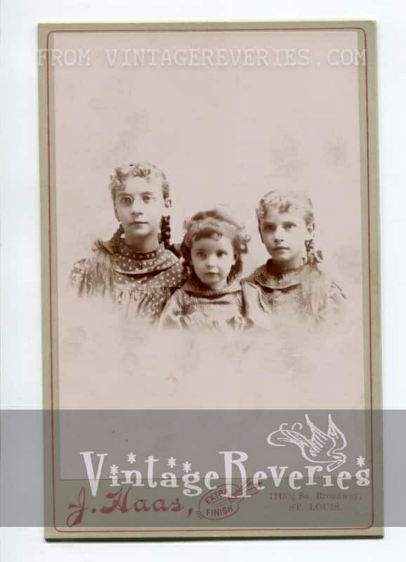 Turn of the century 3 sisters photo