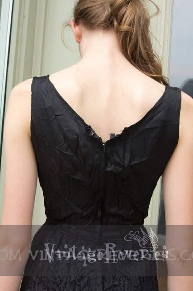 Vintage 1950s/60s black lace cocktail wiggle hourglass sheath dress - must see!