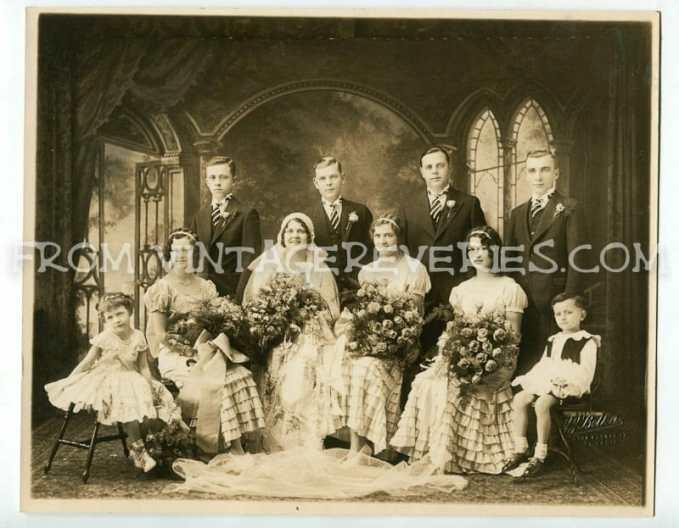 1930s wedding party photo