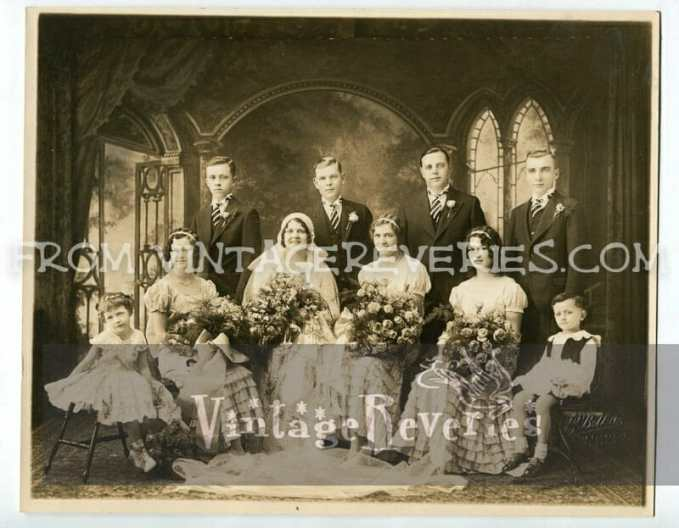 1930s wedding party photo