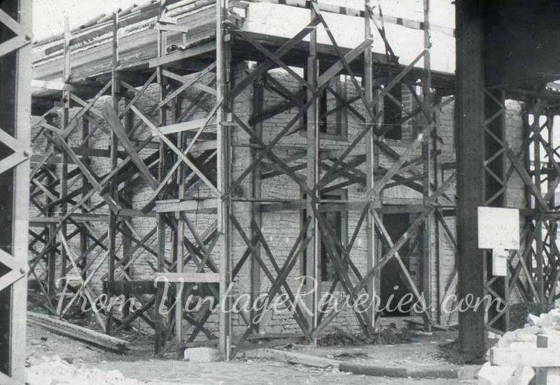 1920s wooden scaffolding