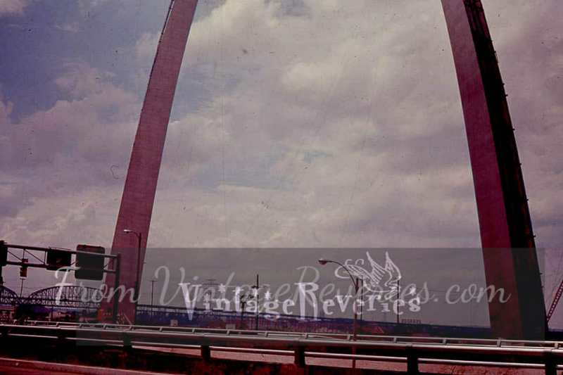 1960s gateway arch photos