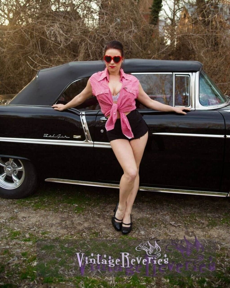 Pinup models with cars