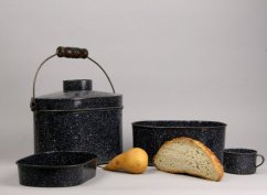 Antique graniteware dinner pail $79