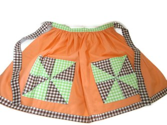 Vintage half apron from GirlPickers