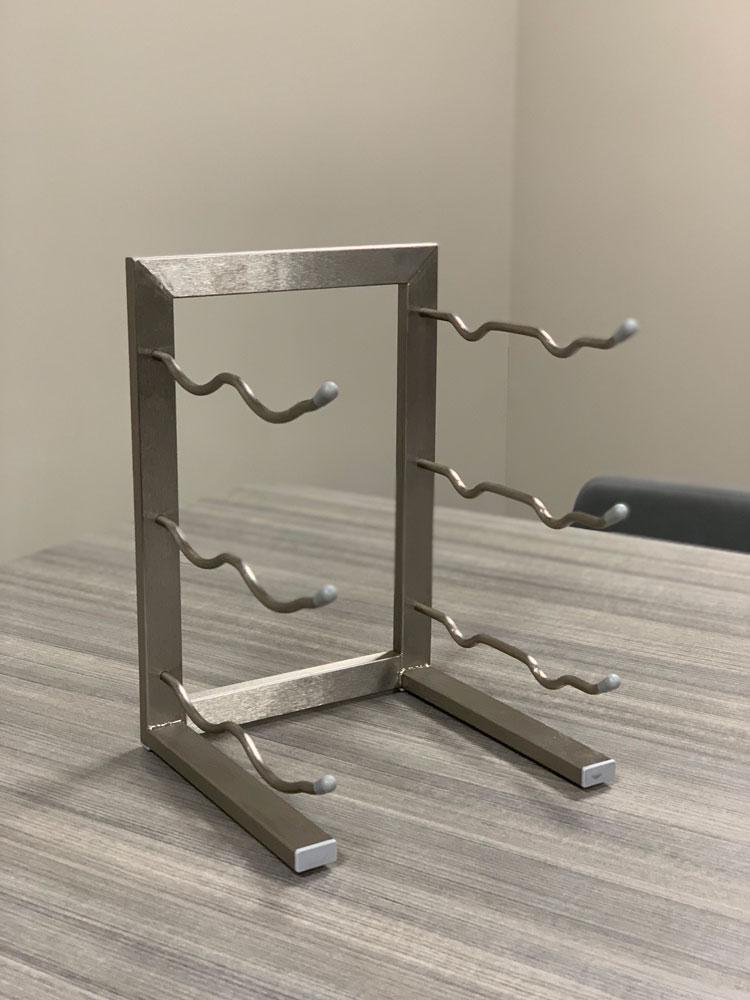mini 6 bottle tabletop metal wine rack