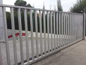 Puerta Corredera para empalizada