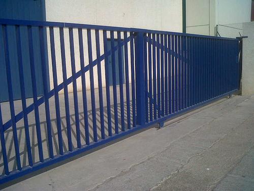 Vinuesa vallas cercados puerta combinada corredera - Puerta corredera industrial ...