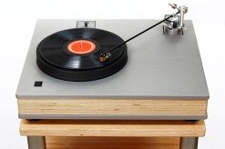 "Well Tempered Lab Royale 400 with 16"" tonearm"