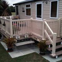 Classic decking style with steps