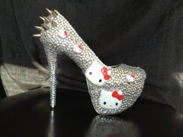 awesome-glitter-heels-hello-kitty-shoes-Favim.com-342448_large