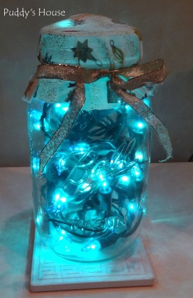 diy-christmas-decorations-blue-lights-in-canning-jar