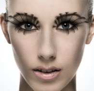 Extreme_makeup_rollover_close_by_bethwood