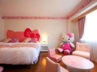 Best-Hello-Kitty-Bedroom-1024x767