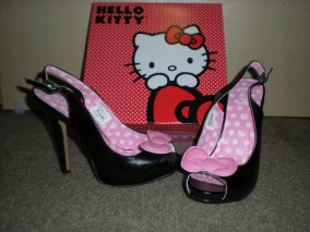 Hello-kitty-shoes-2012