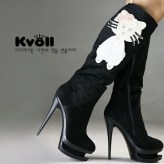 hello-kitty-high-heels-shoes1