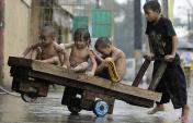 kids-rain_1218324i